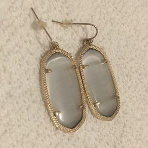 Kendra Scott earring in gold